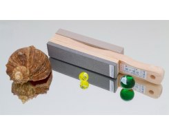 Водный камень и резинка для полировки на одном основании